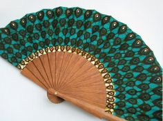 African wax block print hand fan with sleeve - Abanico Antique Fans, Vintage Fans, Pretty Hands, Beautiful Hands, Hand Held Fan, Hand Fans, Chinese Fans, African Design, African Style