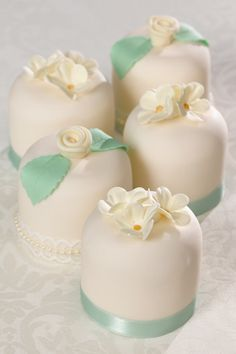 Lemon Sky Cakes | Wedding Cakes | Ivory Mini Cakes                                                                                                                                                                                 More