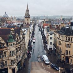 where is Inspector Morse? High Street, Oxford - England