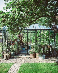 Glass House, Go Outside, Decorating Blogs, Dream Garden, Pergola, Villa, Construction, Outdoor Structures, Patio