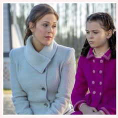 A #TeachableMoment with @ErinKrakow as Miss Thatcher and me as Hattie on #WhenCallsTheHeart. Thanks for the picture, Idella! #TeacherTuesday #Hearties