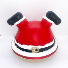 fondant Fondant Santa Cake made with FondX Fondant. A clever design by Cinderella Cakes. Christmas Themed Cake, Christmas Cake Designs, Christmas Cake Decorations, Christmas Cupcakes, Christmas Sweets, Holiday Cakes, Christmas Baking, Fondant Christmas Cake, Xmas Cakes