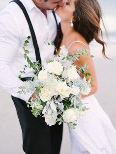 beach wedding inspiration   beach bridal bouquet   v/ 100 layer cake  