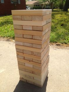DIY Giant Jenga perfect game for summer! Cut into 60 pieces inches long. Can Brandon make this? Giant Yard Games, Diy Yard Games, Diy Games, Backyard Games, Woodworking Projects That Sell, Diy Wood Projects, Outside Games, Giant Jenga, Family Fun Day