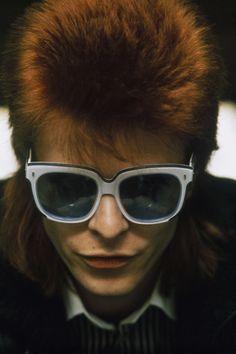 Portrait of David Bowie, ( Ziggy Stardust era) Ziggy Stardust, Glam Rock, Beatles, David Bowie Ziggy, The Thin White Duke, Major Tom, Star Wars, Hollywood, Music Icon