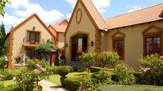 Villa Tuscana wedding village. Wedding Venues, Villa, Cabin, Mansions, House Styles, Inspiration, Home Decor, Wedding Reception Venues, Biblical Inspiration