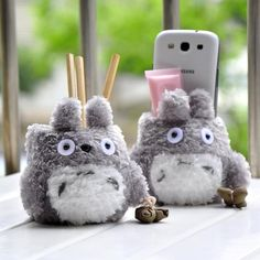 Kawaii Fluffy Totoro Phone Holder Cellphone Stand dual Pen Holder Brush Pot Birthday Gift * Pub Date: Feb 17 2017 Anime Totoro, Anime Cat, Pencil Vase, Support Telephone, Cool Tech Gadgets, My Neighbor Totoro, Cat Supplies, Pencil Holder, Office And School Supplies