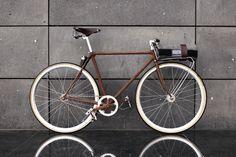 Fahrrad| Partisan Vodka | rusted bike