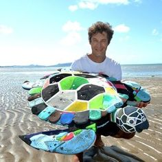 Artist David Day is creating unique artworks to raise awareness for the Great Barrier Reef