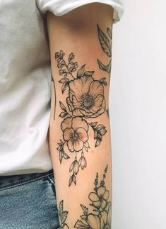 Beautiful Sunflower Tattoos for Women tattoo designs 2019 - Tattoo designs - Dessins de tatouage Piercing Tattoo, 4 Tattoo, Body Art Tattoos, New Tattoos, Cool Tattoos, Tatoos, Danty Tattoos, Fashion Tattoos, Bird Tattoos