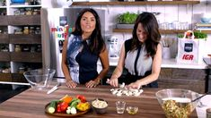Recherche Tofu, Vegan Recipes, Food And Drink, Parents, Chop Chop, Minute, Couscous, Tupperware, Casseroles