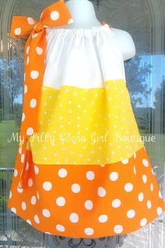 Candy Corn Dress, so I'm making this next year for Megan. Baby Outfits, Little Dresses, Little Girl Dresses, Kids Outfits, Girls Dresses, Sewing For Kids, Baby Sewing, Sewing Clothes, Diy Clothes