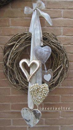 New door wreaths heart Ideas Valentine Wreath, Valentine Decorations, Christmas Decorations, Valentines, Christmas Wreaths, Christmas Crafts, Xmas, Christmas Ornaments, Prim Christmas