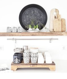 First ☕🍞 Fijne dag 🍀 . Dining Room Table, Kitchen Dining, Kitchen Decor, Apartment Therapy, Minimalist Kitchen, Decorating Small Spaces, Kitchen Shelves, Küchen Design, Interior Inspiration