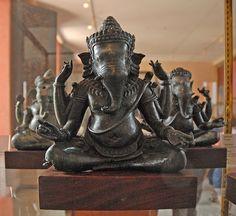 Bronzes représentant Ganesh, 12th Century, musée national du Cambodge (Phnom Penh)   Flickr - Photo Sharing! © dalbera