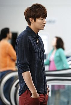 Lee min ho in dark blue loose button down with scrunched up sleeves and maroon pants, comfortable attire Heirs Korean Drama, Korean Drama Movies, The Heirs, Korean Dramas, Korean Star, Korean Men, So Ji Sub, Korean Celebrities, Korean Actors