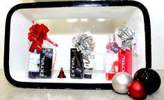 Ainda à procura das últimas prendas de Natal? Venha à Ekyval do Centro Comercial da Portela que nós damos uma ajuda! Amanhã e dia 24 estaremos aberto apartir das 8.30 min. #perfumista #parfums #perfumelovers #perfumes #perfumelover #scentoftheday #scents #flacon #perfumebottle #perfumeaddict #eaudetoilette #eaudeparfum #instaperfume #fragancias #miniperfume #parfum #vintageperfum #dior #diorperfume #diorpoison #ambientadores #women  #smell #advisor #aroma #fragance