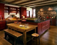 primitive homes decorations Primitive Kitchen Cabinets, Red Kitchen Cabinets, Red Kitchen Decor, Rustic Kitchen, Kitchen Canisters, Kitchen Ideas, Kitchen Utensils, Kitchen Towels, Kitchen Colors