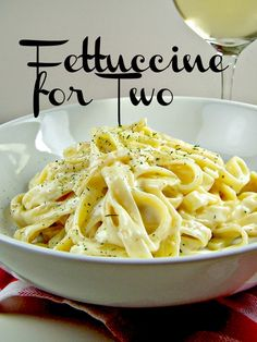 Olla-Podrida: Fettuccine Alfredo for Two Pot Pasta, Pasta Dishes, Food Dishes, Main Dishes, Rice Dishes, Cooking For Two, Batch Cooking, Cooking Recipes, Single Serve Meals