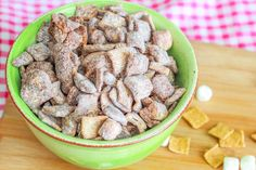 An easy, no bake recipe for s'mores puppy chow.