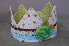 This is such a cute little crown!! Want to make one with felt. Love the idea of sewing on lace and ribbon pieces.