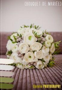 #wedding #bouquet #La mariée aux pieds nus  une seule variété de fleurs :)) joliii