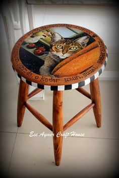 eceaymer.com Decoupage Furniture, Hand Painted Furniture, Funky Furniture, Paint Furniture, Repurposed Furniture, Painted Stools, Furniture Inspiration, Painting On Wood, Home Crafts