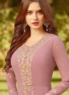 Light Pink Golden Embroidered Slit Style Anarkali Suit will indulge you to look more beautiful on this wedding season with its alluring beauty. Anarkali Tops, Anarkali Suits, Long Anarkali, Mauve, Designer Anarkali Dresses, Indian Gowns, Indian Outfits, Latest Fashion For Women, Teen Fashion