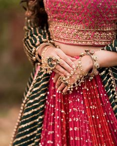 Indian Bridal Outfits, Indian Bridal Fashion, Indian Fashion Dresses, Indian Designer Outfits, Bridal Dresses, Fashion Clothes, Indian Aesthetic, Bridal Poses, Dress Indian Style