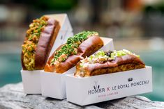 Where to eat the best lobster rolls in Paris Sandwich Packaging, Food Packaging, Design Packaging, Coffee Packaging, Bottle Packaging, Label Design, Package Design, Design Design, Graphic Design