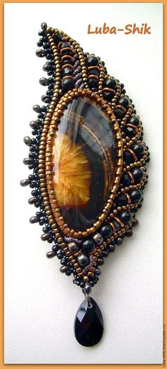 trendy Ideas for embroidery jewelry pendant Beaded Jewelry Designs, Seed Bead Jewelry, Necklace Designs, Pendant Jewelry, Handmade Jewelry, Necklace Ideas, Diy Jewelry, Jewelry Findings, Jewelry Ideas
