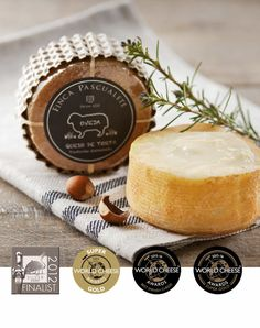 queso retorta mini de finca pascualete Truffle Cheese, Cheese Design, Milk And Cheese, Cheese Lover, Old Recipes, How To Make Cheese, Charcuterie, Toffee, Gastronomia