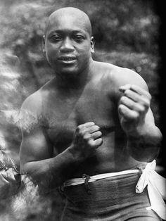 First African American heavyweight boxing champion: Jack Johnson. Trx, Jack Johnson Boxer, Combat Boxe, Donald Trump, Heavyweight Boxing, Photo Star, Boxing History, Boxing Champions, Black History Facts