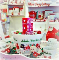 A cozy Christmas cottage tour, vintage Christmas