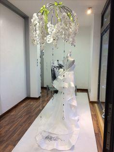 Vetrina sposa Cascata di fiori Orchidee