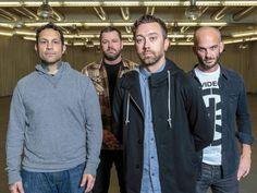 """Ein mysteriöser Teaser auf Facebook brachte die Spekulationen ins Rollen. Nun steht definitiv fest: Rise Against veröffentlichen im Juni ihr neues Album """"Wolves""""."""