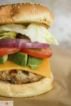 Blue Cheese Stuffed Turkey Burger - Heather Christo - - Major Burger Ideas for Fourth of July BBQing! Turkey Burger Recipes, Turkey Burgers, Burger And Fries, Good Burger, Easy Homemade Burgers, Real Food Recipes, Cooking Recipes, Yummy Food, Gourmet Burgers