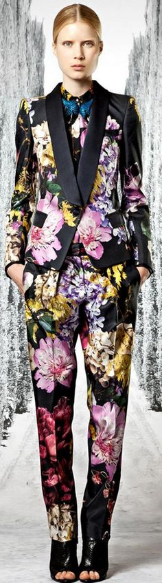 I think I'm getting a migraine looking at this Roberto Cavalli 2013