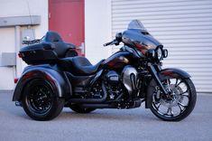 2014 Harley-Davidson Tri-Glide 'Blacked Out' Trike #harleydavidsonbaggerspictures #harleydavidsonbaggercaferacers