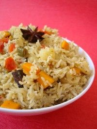 is a delicacy that offers the richness of rice mixed with the aromatic and Makhan Fish & Chicken Corner Rice Recipes, Indian Food Recipes, Vegetarian Recipes, Cooking Recipes, Healthy Recipes, Healthy Food, Veg Pulao, Biryani, Fish And Chicken