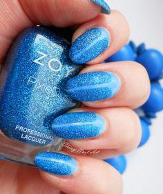 Shiny Nail Art: V-gap sinisellä tekstuurilla