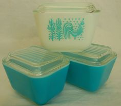 Vintage Pyrex Oven Refrigerator Storage Dish Set in Turquoise and Butterprint with Lids. $29.95, via Etsy.