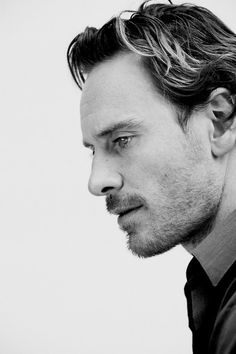 michael fassbender, actor, and black and white εικόνα