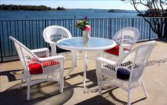 Outdoor Wicker Dining Set of Cape Cod Style