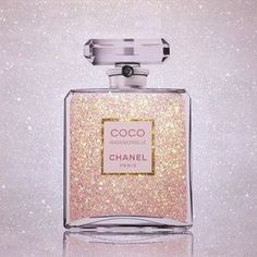 Image about chanel in fashion addict by Simply chic Perfume Good Girl, Perfume Lady Million, Coco Chanel Mademoiselle, Perfume Zara, Photo Deco, Chance Chanel, Michael Kors, Schmuck Design, Smell Good