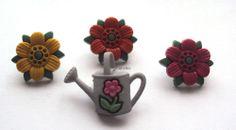 Pretty Flower Garden Set of 4 Buttons -  22mm  (R8D2) - Only 99p