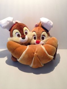 """Disney Store Japan Delicatessen Chip & Dale with Croissant Plush Appr. 7 7/8"""" x 8"""" x 5"""" New With Tags"""