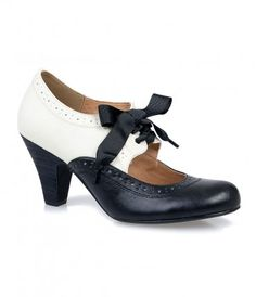 Black & White Spectator Mary Jane #Heels #vintage #uniquevintage