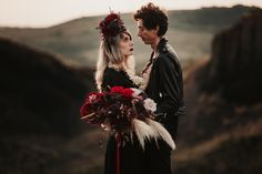 Dark and moody flower crown, black flowers, moody weeding, red roses, emotional elopement, mountain elopement, gothic style, couple session Red Flower Crown, Flower Crown Wedding, Black Flowers, Red Roses, Mountain Elopement, Weeding, Gothic Fashion, Couple Photography, Wedding Bouquets