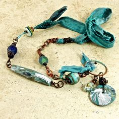 Hey, I found this really awesome Etsy listing at http://www.etsy.com/listing/118327217/paradise-as-seen-in-january-bead-trends